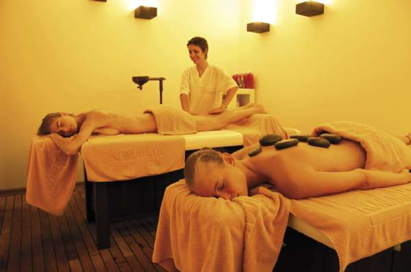 Korumar Hotel De Luxe Massage-room